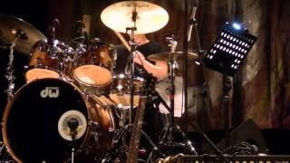 "Chad Wackerman solo on ""city of tiny lites"""