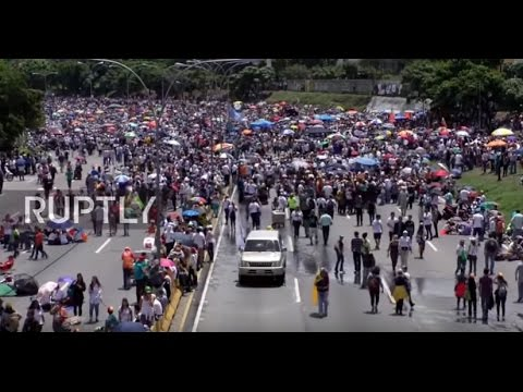 Venezuela: Roads blocked as mass anti-Maduro protests continue