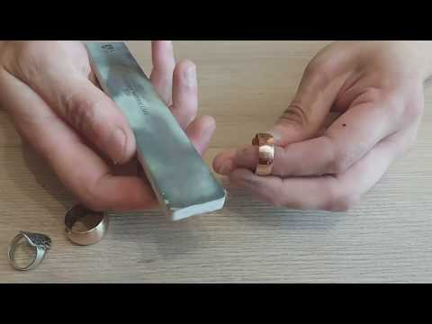 Как убрать пятна на золоте и серебре