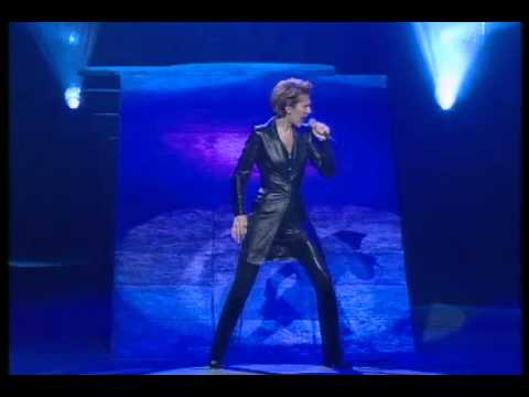 Celine  Dion    --  The   Power  Of   Love  [[  Official   Live  Video  ]]  HD