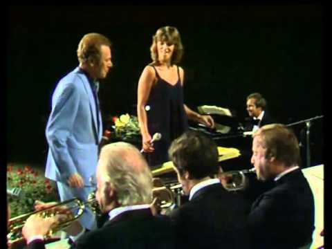 Bert Kaempfert & Sylvia Vrethammar / Берт Кемпферт - Strangers In The Night / Путники в ночи