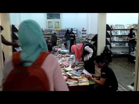 Gramedia Slamet Riyadi Solo Didatangi Warga, Ternyata Sedang Gelar Pameran Buku Murah Akhir Tahun