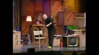 """Maurizio Battista in """"Cari amici miei... come giochi, giochi male!"""" al Teatro Olimpico"""