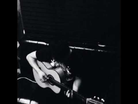 Adil  Yurek { Uyghur Guitar Song }