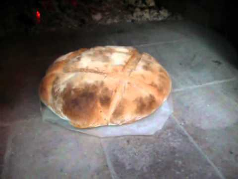 Horneando pan en horno de le a youtube - Como se hace horno de lena ...