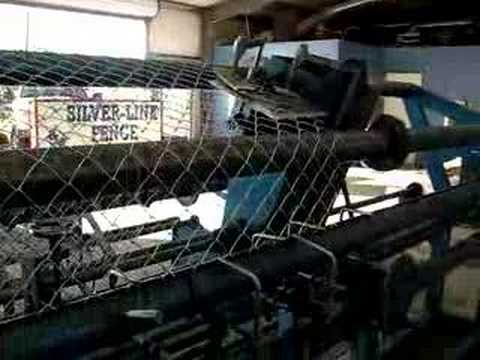 CHAIN LINK WEAVING MACHINE