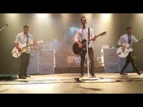 Boyce Avenue - Wake Me Up (Avicii Cover) - live in Chicago