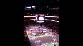 Гимн Америки на хоккее.