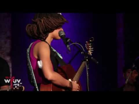 """Valerie June - """"The Hour"""" (WFUV Live at City Winery)"""