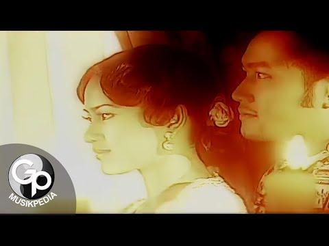 Ikke Nurjannah - Memandangmu (Official Music Video)