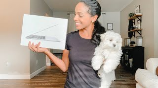 """Unboxing 13"""" MacBook Pro With Touch Bar"""
