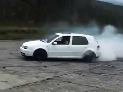 Volkswagen Golf Mk4 White Crazy Burnout - YouTube
