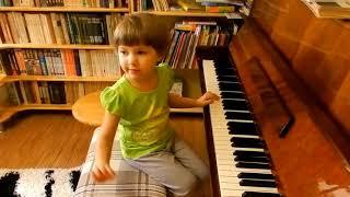 Лемешкина Марианна. 3 года 6 месяцев. Сочиняем и играем разными штрихами (фрагмент урока)