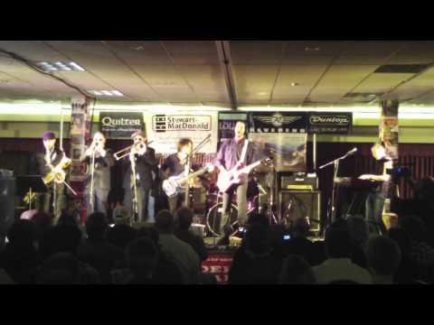 Namm 2012 - Paul Gilbert @ Guitar Geek