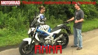 MOTORRAD Ladies-Cup - Übung 1: Suzuki balancieren