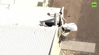 В США легкомоторный самолёт врезался в ангар — видео