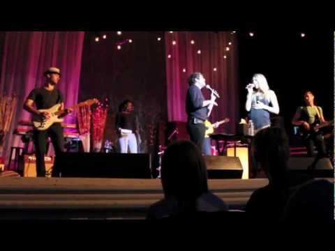 """Colbie Caillat """"Realize"""" ft Elliot Yamin at Carnegie Music Hall of Homestead"""