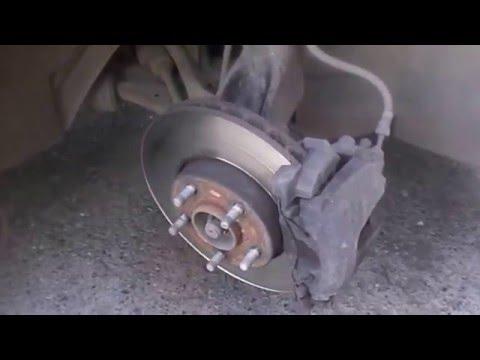 Замена передних тормозных колодок на ФОРД ФОКУС 3.
