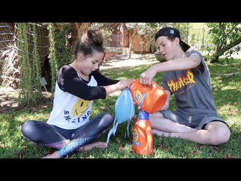 Thumbnail: Pouring Slime in a Wubble Bubble with Hayden Summerall