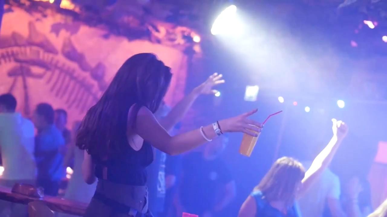 Girl Dancing in Nightclub 04 / Free Stock Footage