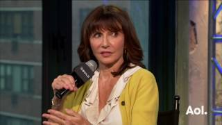 Mary Steenburgen Tells A Story About Hillary Clinton And Their Relationship | BUILD Series