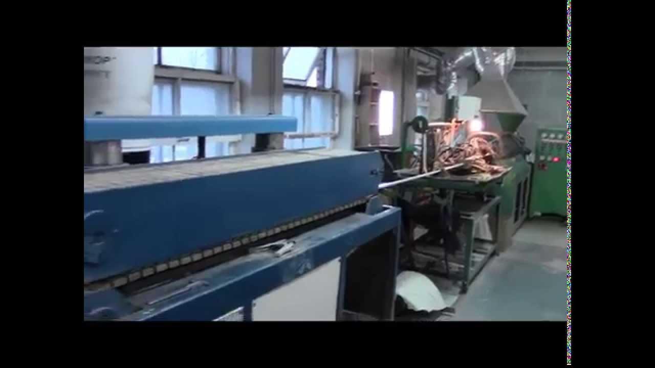 Крепление багета натяжного потолка в рыхлую стену - YouTube