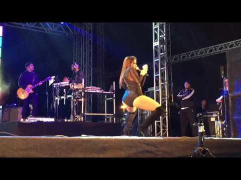 Anitta - Novinha Vai No Chão Wesley Safadão Cover - Festa do Peixe Tramandaí - Bang Tour