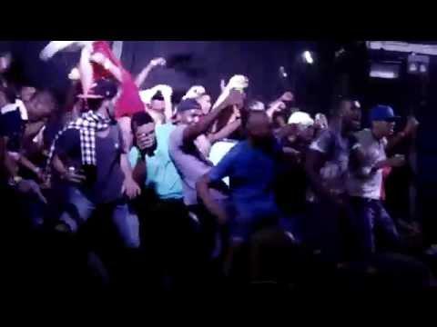 Fãs no Palco - Bailão do Robyssão no Baile da The Hall 22-08-2014