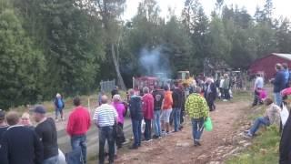 Traktorpulling Massey ferguson 175 bondens dagar Backamo 2016