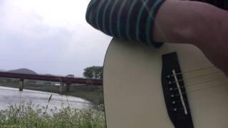 以前アップしていたのを削除してリアップしました。また河原に出かけました^^ 今日は靴動画じゃないよ^^;; この曲はマイケルが13...
