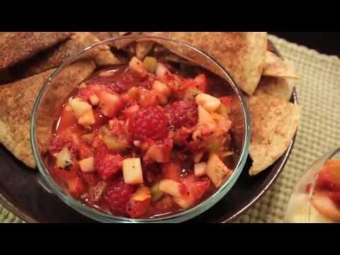 Fruit Salsa with Cinnamon Chips // One Pan Nan