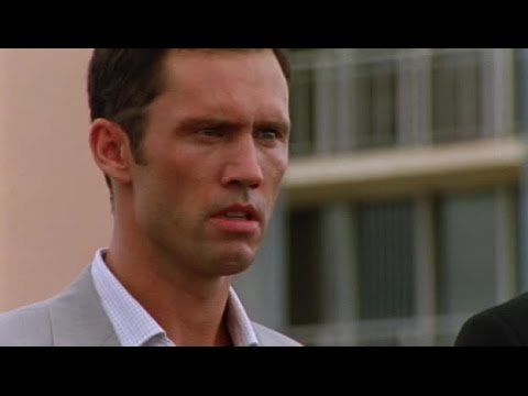 Download Burn Notice S02 E01   Breaking and Entering
