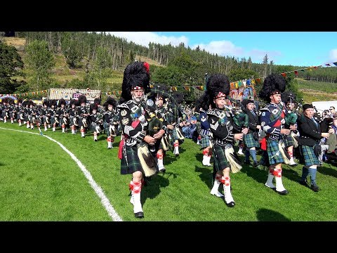 Lonach Gathering 2017 - Massed Pipe Bands & Highlanders afternoon games field parade in 4K
