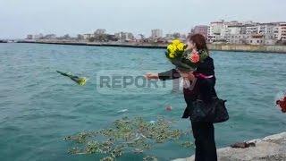 Report TV - Tragjedia e Otrantos, familjarët lot e dhimbje, lule në det për viktimat