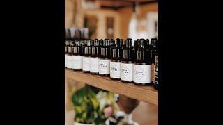 Qui nous sommes : Nos soins pour la peau sont 100% naturels, purs & actifs, composés des meilleurs ingrédients qui soient, ultra performants. Il n'existe pas de ...