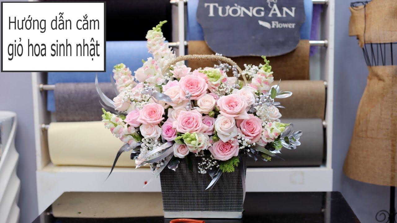 Hướng dẫn cắm giỏ hoa mừng sinh nhật nữ tông hồng
