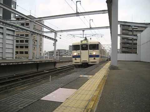 20130113撮影415系12両快速南福岡行箱崎通過