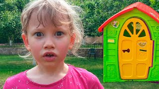 Alena buys a new playhouse for children from Pasha