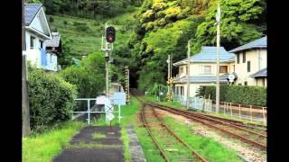 故郷である徳島県美波町の美しい風景をはじめ、町の人々の営みに想いを...