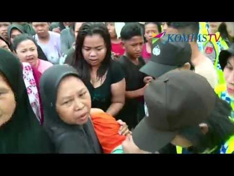 Bela Warga Penjaringan, Ratna Sarumpaet Ditahan di dalam Mobil