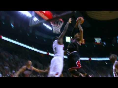 Derrick Rose dunks on Greg Oden