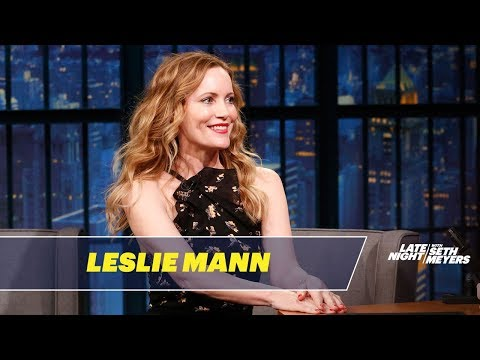 Leslie Mann Is Missing a Finger in Her Prom Photo