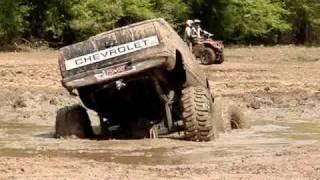 MUD TRUCKS BIG BLOCK Chevy Silverado on 54 BOGGERS STUCK