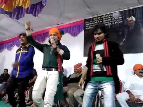 Vikram Thakor and Kamlesh Barot live