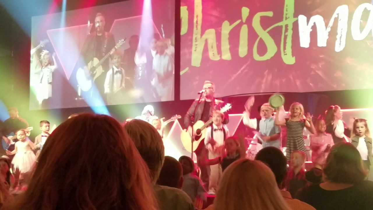 Born is the King (Its Christmas) by Living Waters Worship - YouTube