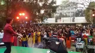 indian girls dance in college dekha jo tujhe yaar dil mein baji guitar