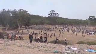 معركة الحجر بين قوات التدخل و المتظاهرين في جرادة