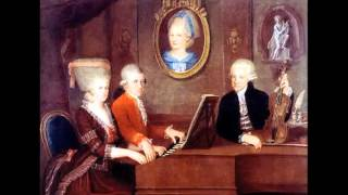 W.A.Mozart - K.240 Divertimento per fiati n. 9