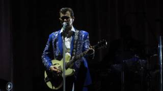 Watch Chris Isaak I Wanna Fall In Love video