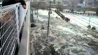 Начало цунами  Япония, Мияги  2011 УЖАС!